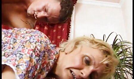 Bella bionda amorevole ragazza orge italiani massaggio