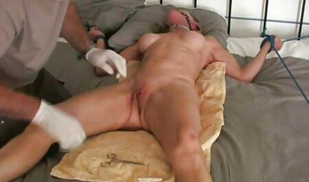 EroticaX cums sulla figa di porno orge italiani una rossa pelosa